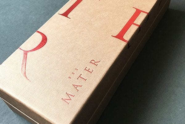 Diseño de Packaging box para vino